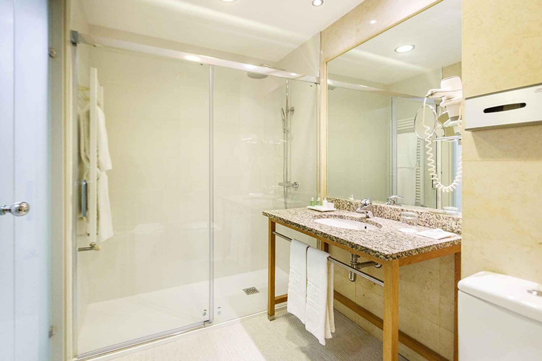 Hotel_Coruña_Bathroom