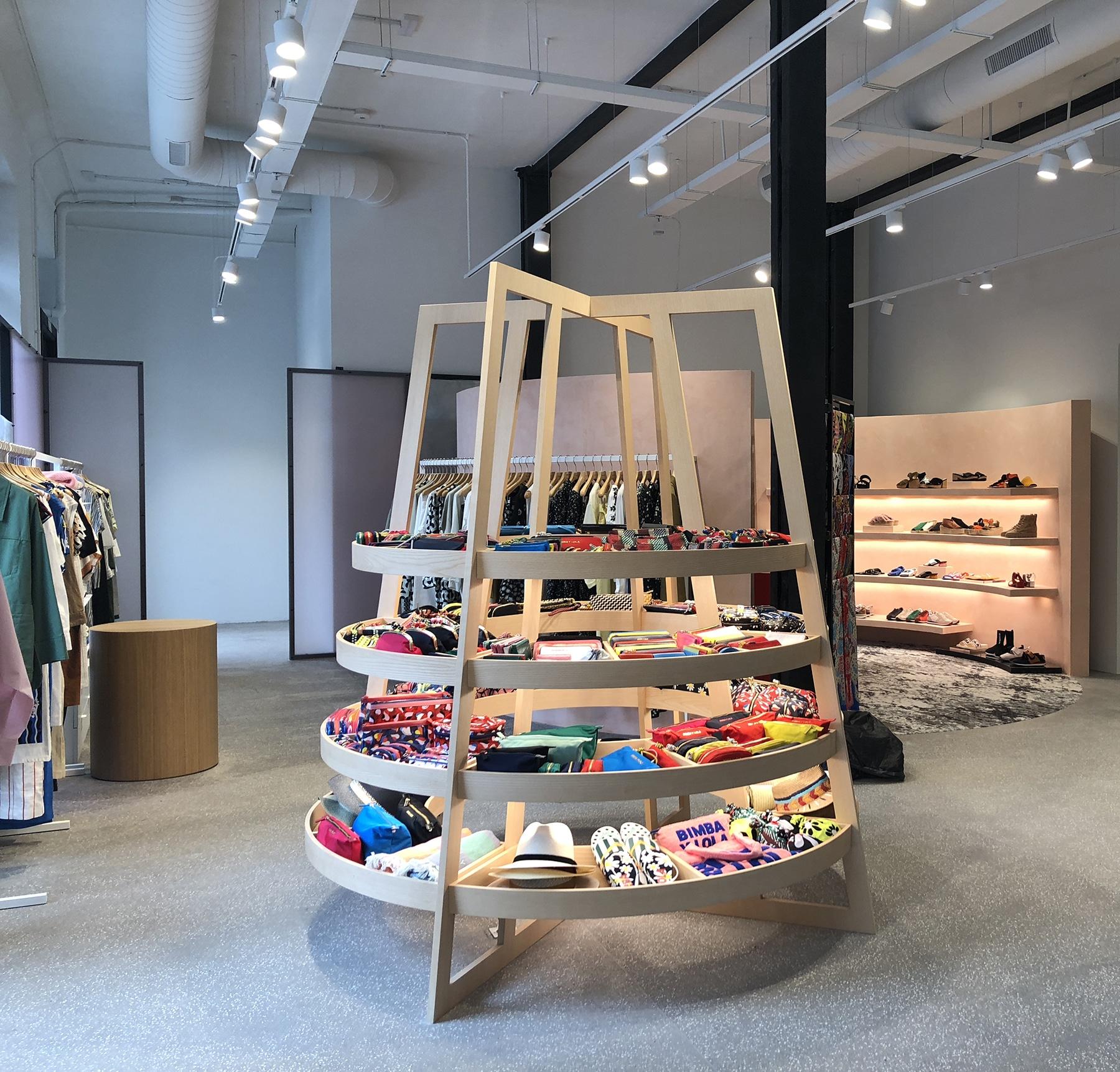 Bimba&Lola_Store_Exhibitor