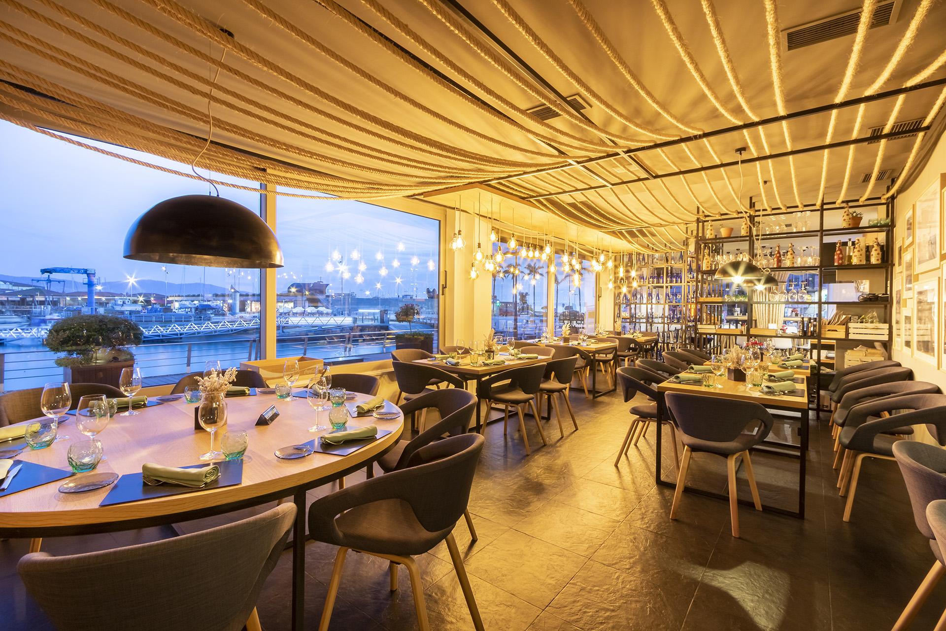 Salgadoiro_Restaurant_Tables