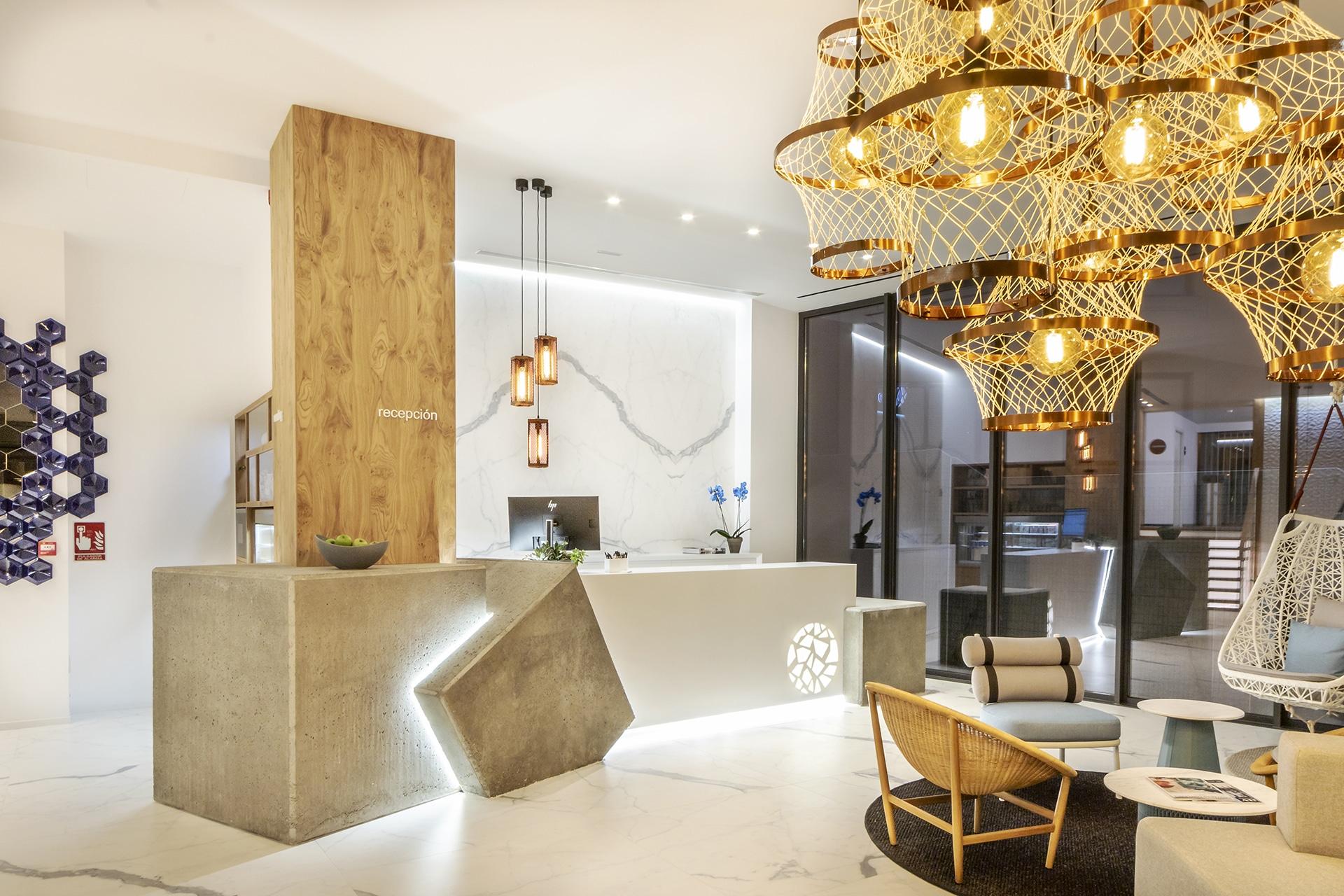 Silgar92_Hotel_Reception