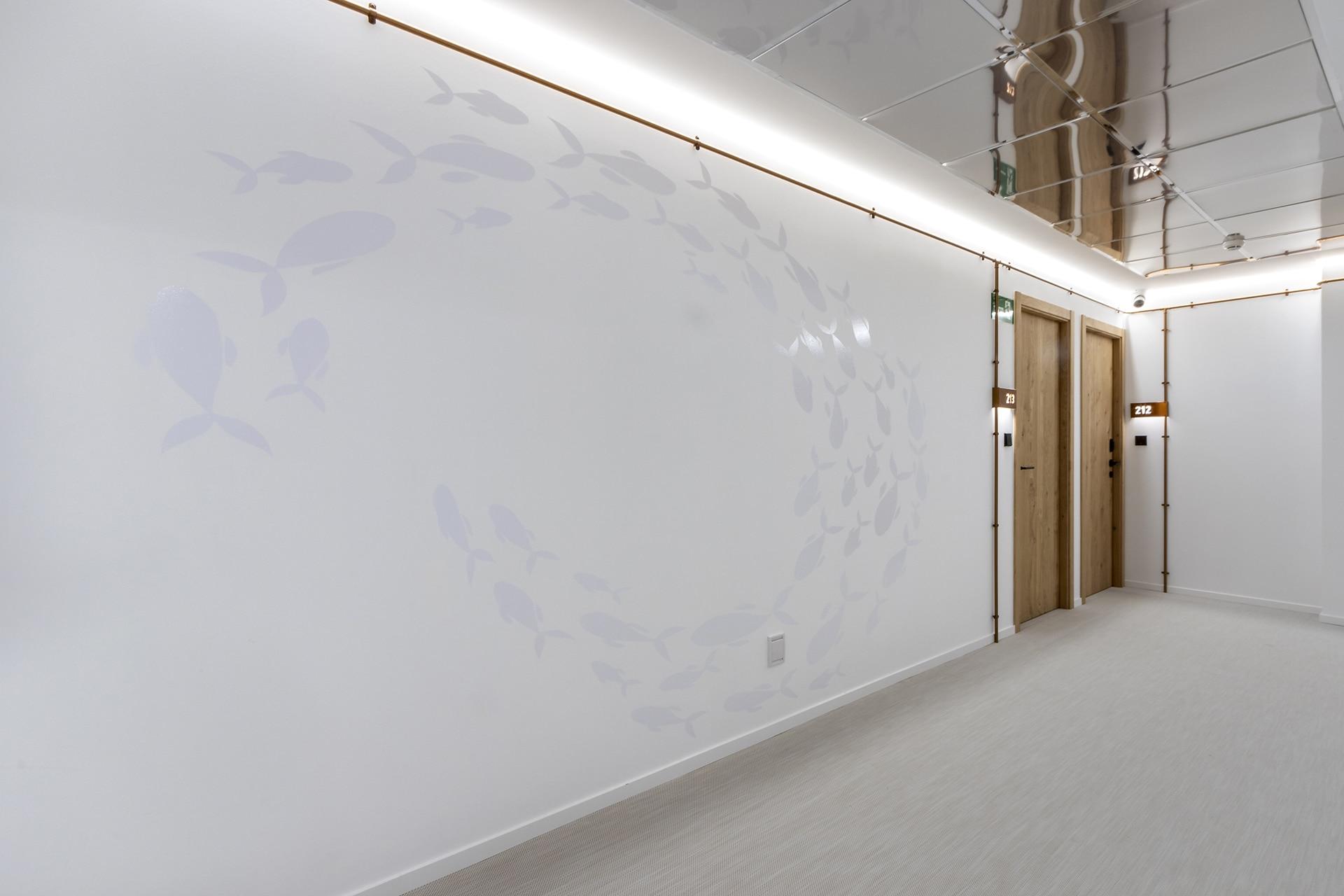 Silgar92_Hotel_Hallway