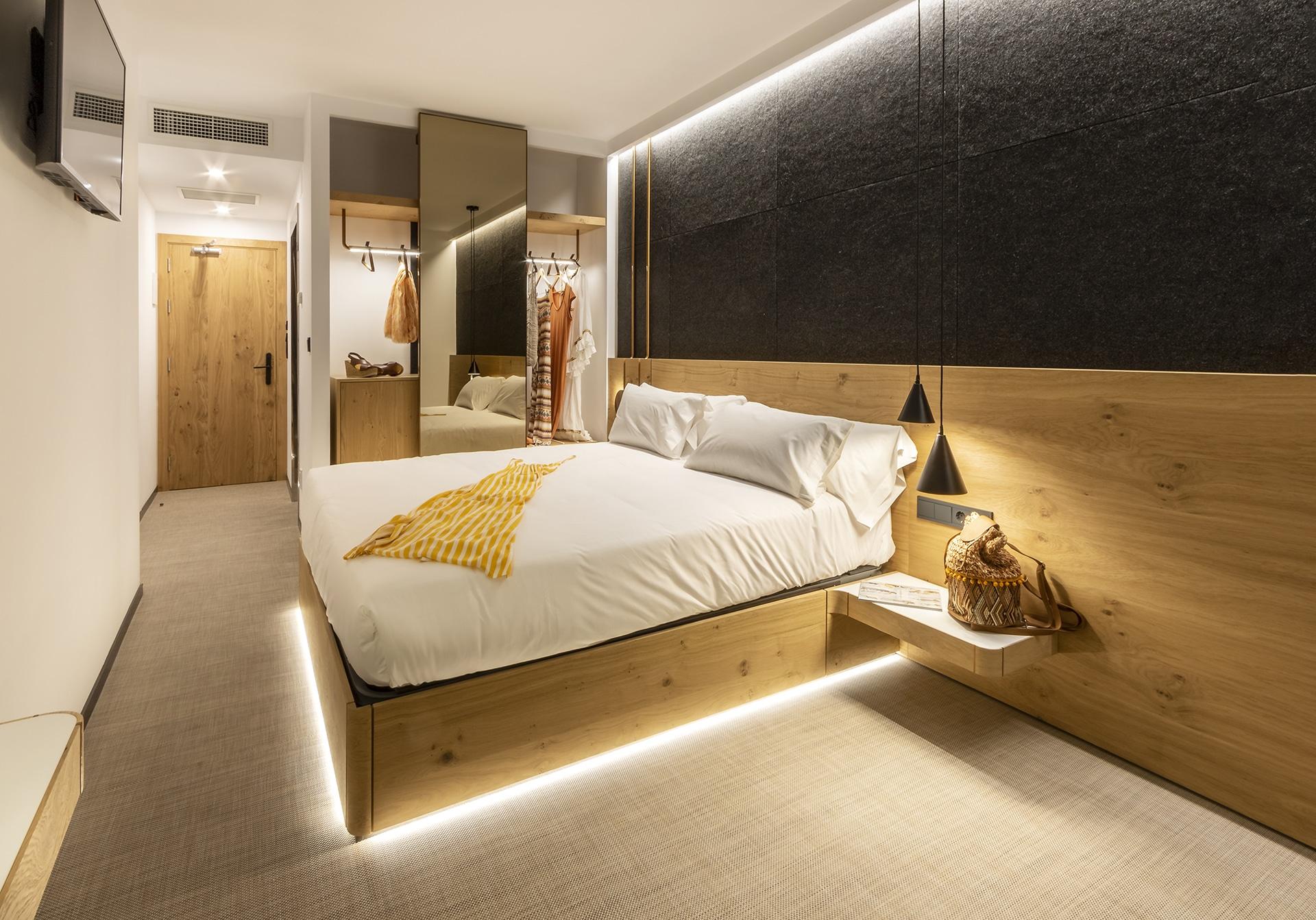 Silgar92_Hotel_Bedroom